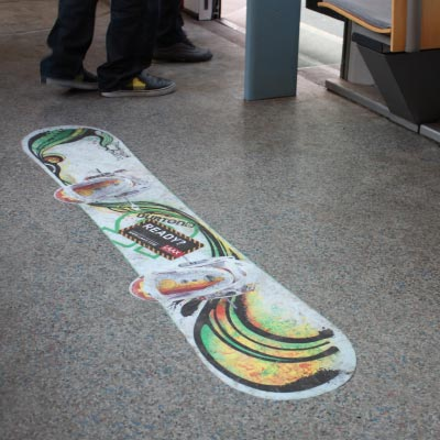 LAAX: VBZ-Floorsticker.